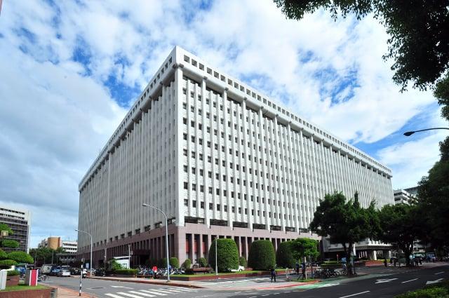 位於臺北市松山區敦化北路的台塑總部大樓。(Lucychu/維基百科)