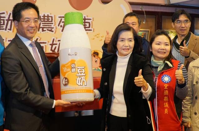 宜蘭縣啟動「國產豆奶-食農教育列車」。(宜蘭縣政府提供)