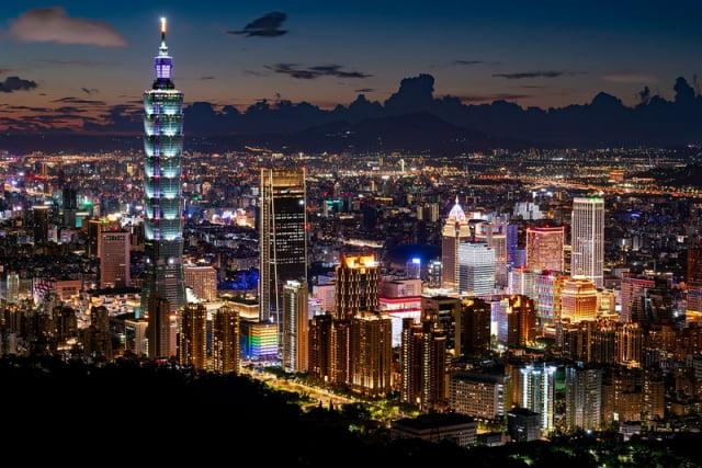 臺北市信義區跨年夜體感溫度僅3至4℃。(中央社)
