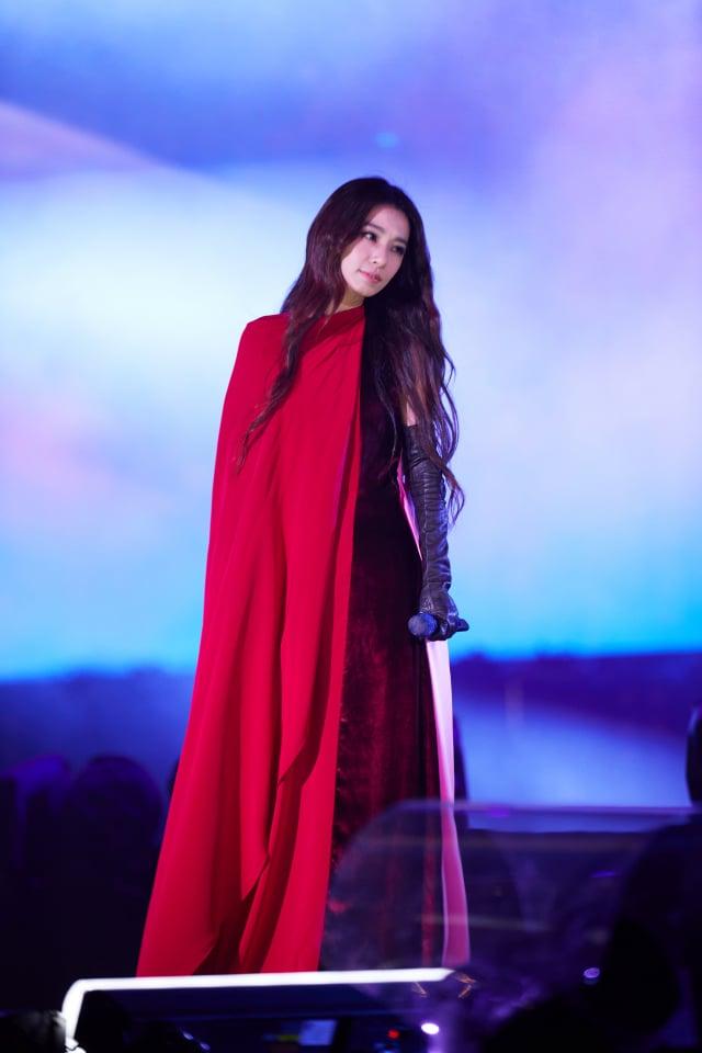 Hebe田馥甄以療癒嗓音替「臺北最High新年城-2021跨年晚會」揭開序幕。