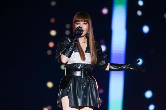 倒數前壓軸則由天生歌姬A-Lin擔綱演唱。