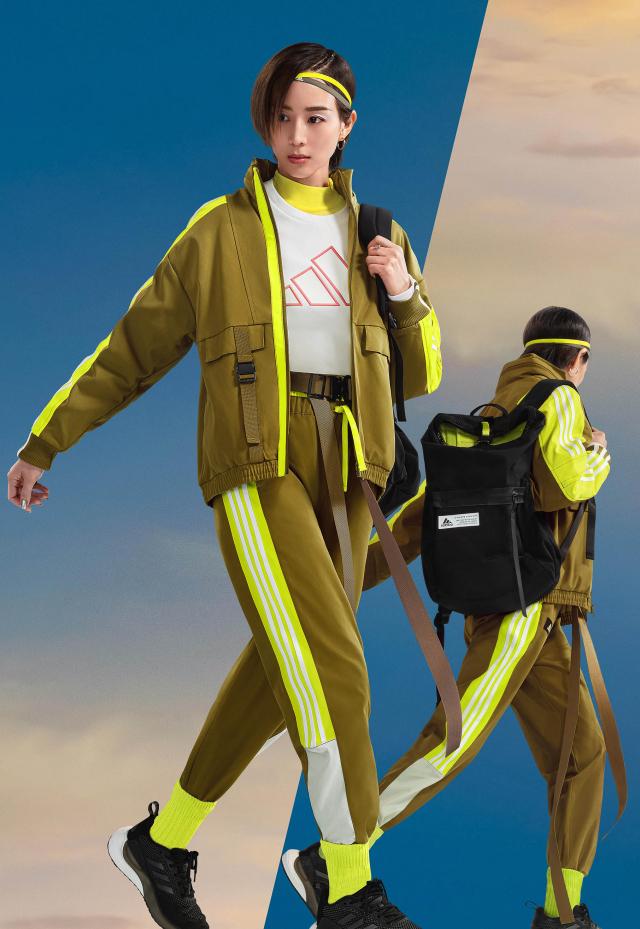 張鈞甯演繹Street街頭潮流風格,低調風格、高調玩色。(adidas提供)