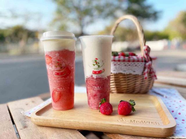 Mr.Wish推出的飲品,草莓芝芝(左)、草莓厚奶(右)。(Mr.Wish提供)
