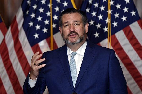 2020年10月26日共和黨籍德州參議員克魯茲(Ted Cruz)在國會山(Capitol Hill)發表講話。(OLIVIER DOULIERY/POOL/AFP via Getty Images)