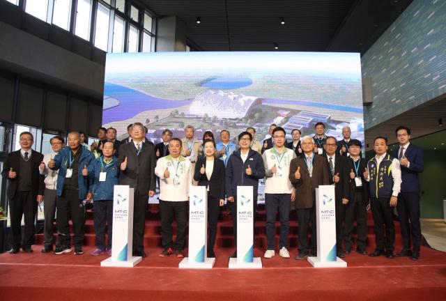 興達港海洋科技產業創新專區啟用,將帶動周遭整體海洋產業產值,對於開發興達港整體周邊產業,也會發揮極大群聚效果。(高市府提供)