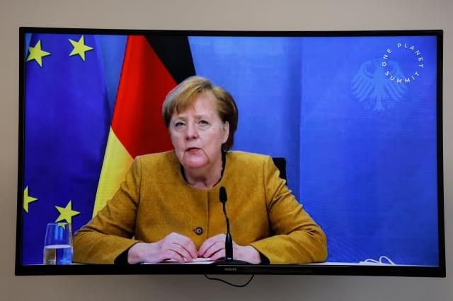 德國總理梅克爾認為,社群媒體巨擘決定無限期暫停美國總統川普的帳號,這麼做是有問題的。( LUDOVIC MARIN/POOL/AFP via Getty Images)