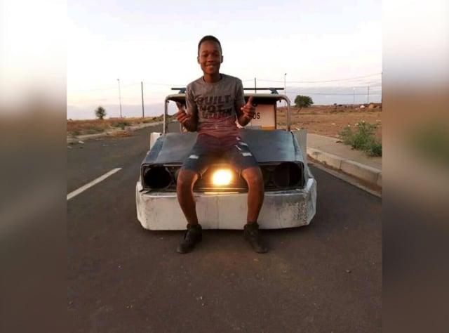 南非17歲男孩泰特勒用一堆廢金屬造出能上路的汽車,他還夢想有一天能製造一輛豪華的南非汽車。(Homebuilt Projects提供)