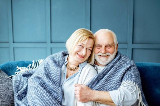 當氣溫降低或溫度驟降時,血管內的平滑肌會跟著收縮,容易造成血壓突然升高,如果是三高病患,會增加心臟病及中風急性發作機會。(123RF)