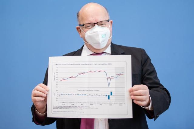 德國經濟部長阿特麥爾於1月27日說明德國年度經濟報告。( Andreas Gora - Pool/Getty Images)