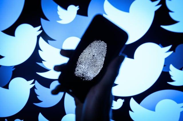 報告顯示,中共利用數百個推特帳號聯合行動,傳播假訊息,在美國製造分裂。(Leon Neal/Getty Images)