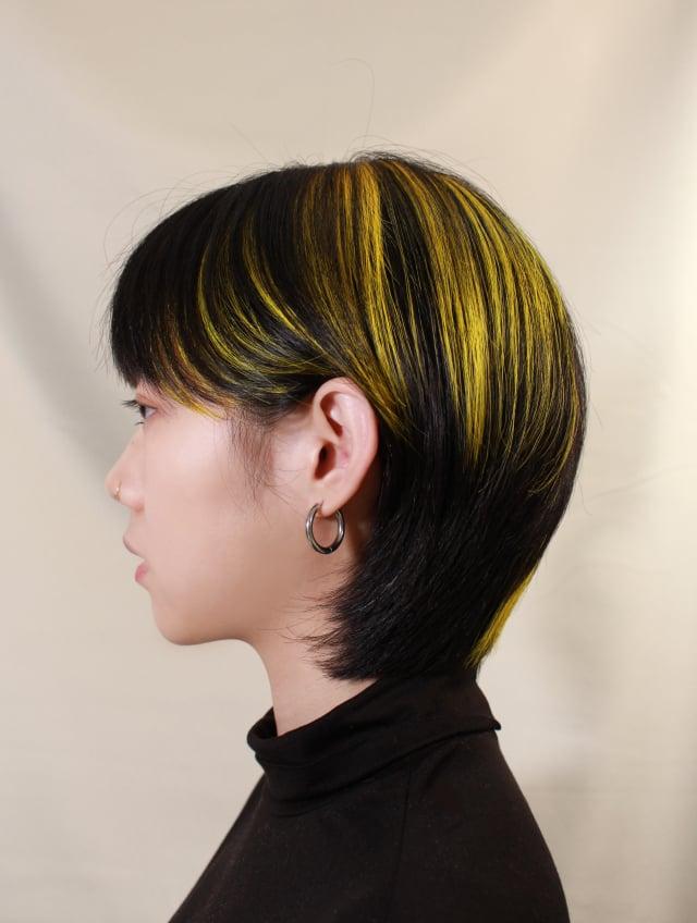 煙花染配色點綴高彩度「亮麗黃」。(好剪才提供)