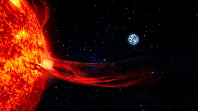太陽表面耀斑噴發示意圖。(ShutterStock)