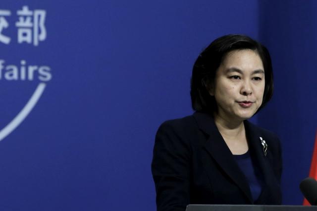 中共外交部發言人華春瑩在回答記者提問時反問:為什麼「中國人就不可以使用推特和臉書呢」?引發嘲笑。(大紀元資料室)