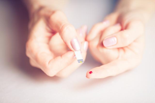 高血糖與糖尿病等慢性疾病引發的乳癌機率,比較一般人更提高二到四成。(fotolia)