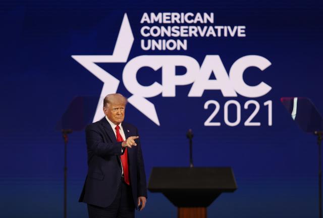 週日(2月28日),「保守黨政治行動大會」(CPAC)最後一天,前總統川普發表演講。(Joe Raedle/Getty Images)