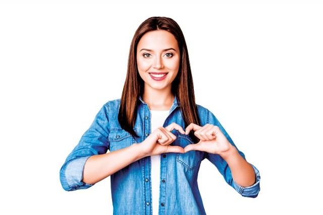 心血管疾病發生年齡已逐漸年輕化,青壯年族群通常自認為還年輕,或是生活忙碌,就忽略了自身健康。(Shutterstock)