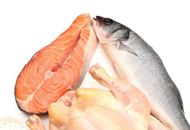 魚類、肉類。(123RF)