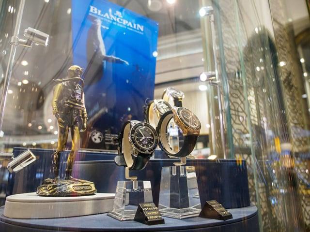 寶珀五十噚問世後除了專門供應給軍方,也在潛水用品店而非一般錶店販售。(Shutterstock)