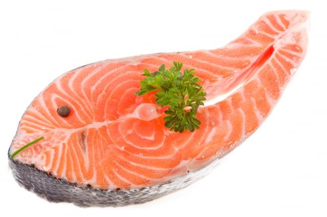 鮭魚能提供優質的蛋白質和Omega-3脂肪酸。(Fotolia)