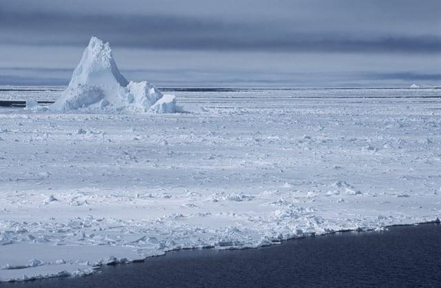 位於南極西部威德爾海的菲爾希納龍尼冰架。(BAS提供)