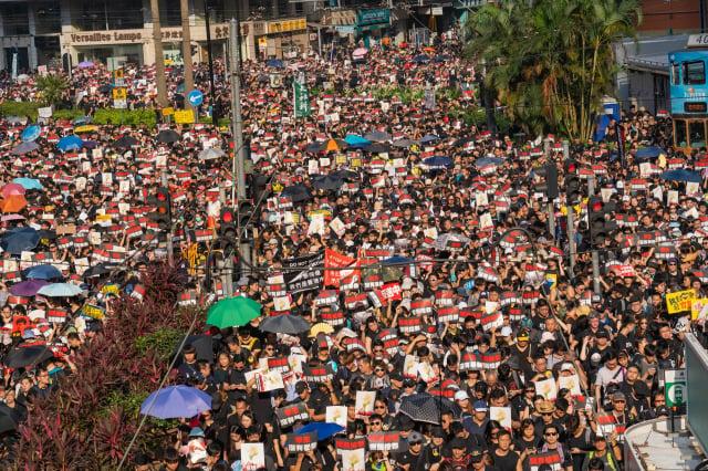 圖為2019年6月200萬港人反送中遊行。(記者李逸/攝影)