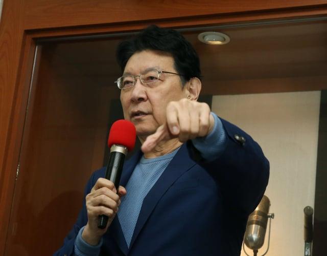 中廣董事長趙少康15日表示,香港立法會已死,已被人大取代,北京把 香港民主制度毀了。(中央社)
