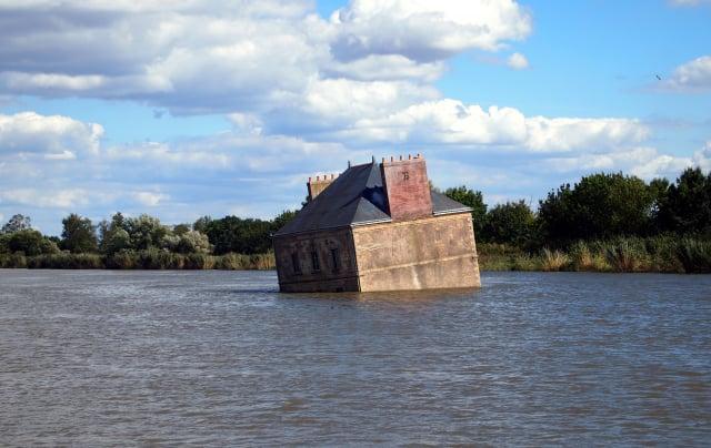 「羅亞爾河之屋」是位於法國羅亞爾河裡的一棟建築物。(Shutterstock)