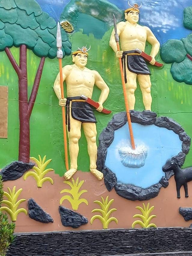 多納部落的彩繪獵人傳說圖騰。