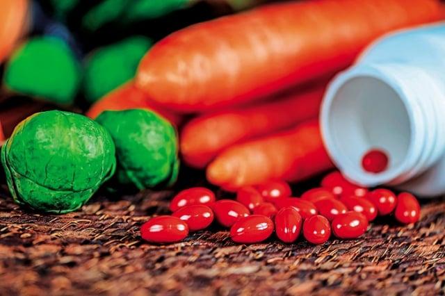 葉黃素是多種天然類胡蘿蔔素中的一種,脂溶性類胡蘿蔔素,抗氧化物。服用葉黃素有一些迷思,在此列舉出5個民眾常見的迷思,並針對這些迷思進行說明。(Shutterstock)
