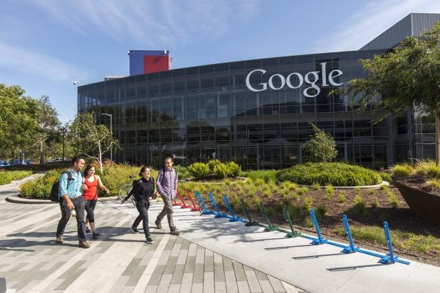 沈榮欽指出,包括臺灣在內,谷歌已與全球500家媒體簽約付費。(大紀元)