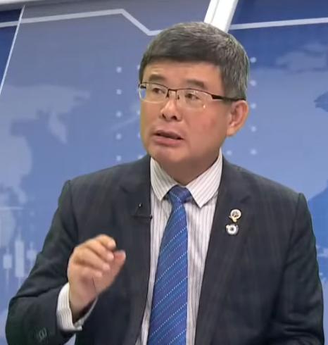 中國近期抵制「拒用新疆棉」品牌,總體經濟學家吳嘉隆27日表示,外國人也會來抵制中國貨,對中國經濟有不利影響。圖為資料照。(新唐人電視台)