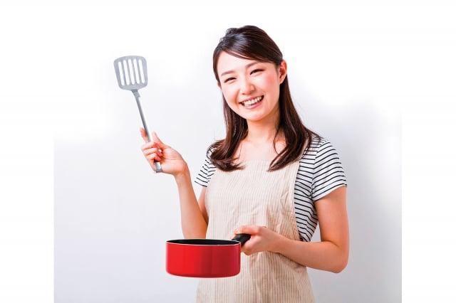 對於隔夜菜存有不少迷思,為了讓民眾吃得安心,在此針對常見的隔夜菜疑問一一解答,並且教導正確保存與復熱方法。(Shutterstock)