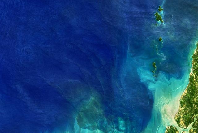 科學家在海洋深處找到了對我們免疫系統隱形的細菌。(Shutterstock)