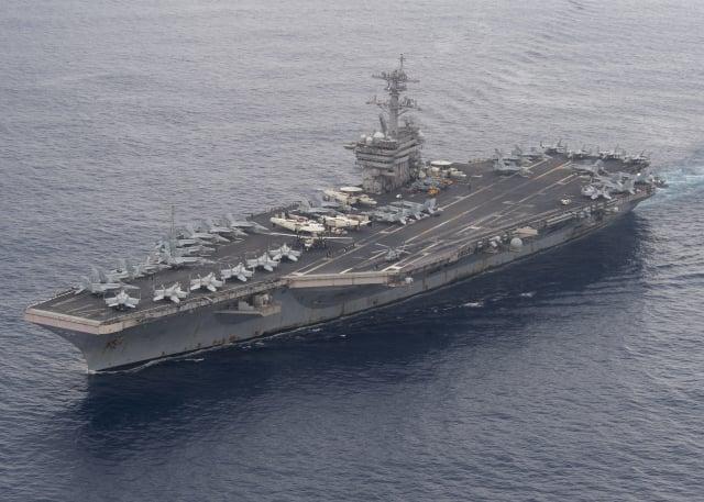美軍羅斯福號航母進入南海,美軍與多國海上力量在南海進行大型軍演。(美國太平洋艦隊Flickr)
