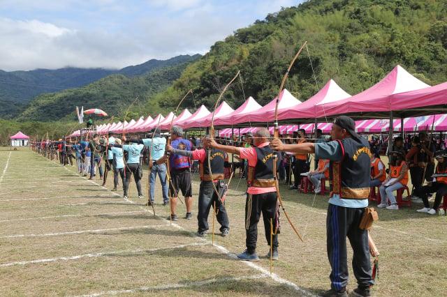 全國原住民傳統射箭比賽,2021年4月10日在台東縣卑南鄉東興社區文化廣場舉行。