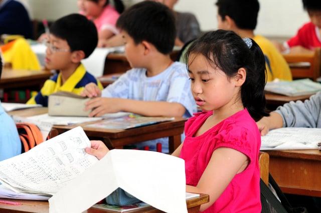 在臺灣,隨著年輕族群越來越少使用,臺語已經出現傳承危機。(攝影/蘇玉芬)