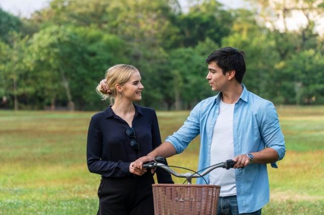 交到一位喜歡的男友,但父母反對,怎麼辦?(Shutterstock)