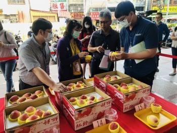 低海拔水蜜桃競賽  太平農友張志成奪冠