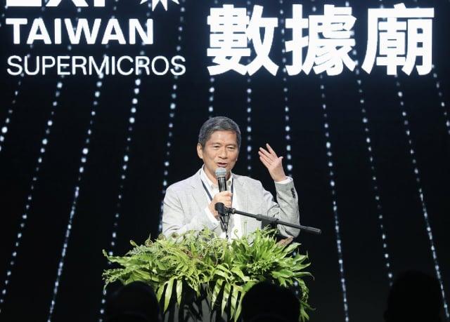 2021年臺灣文博會開幕,文化部長李永得16日出席開幕典禮表示,文博會產值在2019年已高達新臺幣6.5億元,期許今年可突破10億元。(中央社)