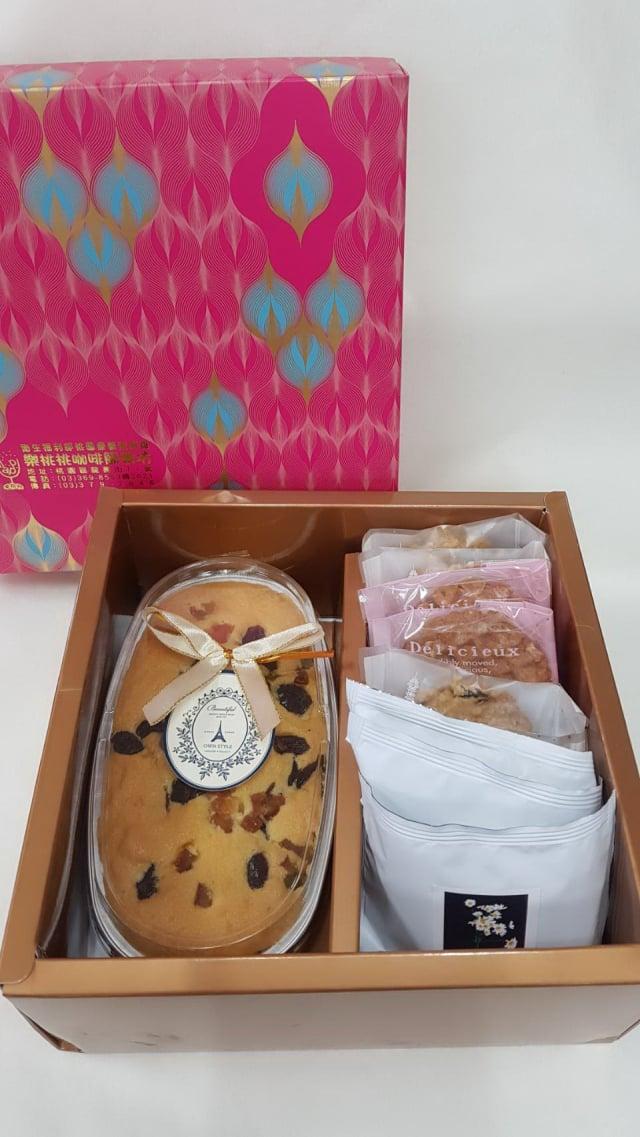 樂桃桃母親節禮盒:磅蛋糕+手工餅乾+養生茶飲