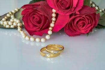 英90歲夫妻攜手70載 分享幸福婚姻祕訣