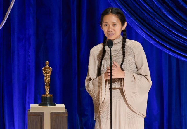 年僅39歲的趙婷成為奧斯卡首位華裔女導。(Todd Wawrychuk/A.M.P.A.S. via Getty Images)