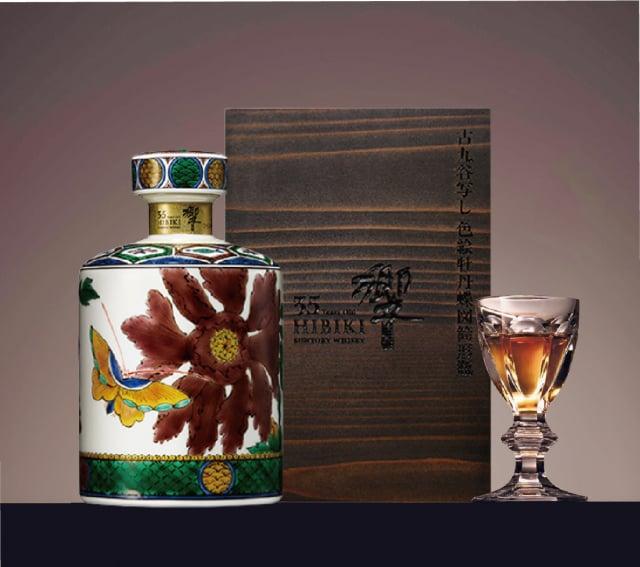 全臺限量1組Hibiki 35 years Kutani Ceramic Decanter2016響35年牡丹與蝶九谷燒彩繪瓶。(微風集團提供)