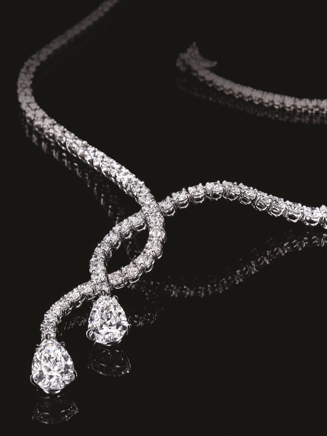 鑽石之王推出麗晶獨家HARRY WINSTON Crossover系列鉑金與白金項鍊。(麗晶精品提供)
