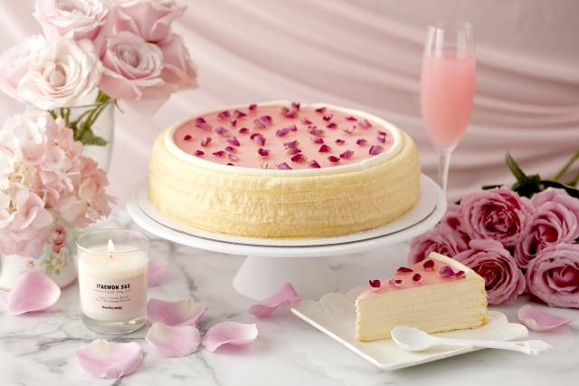 紐約頂級貴婦甜點LADY M限定玫瑰千層蛋糕。(麗晶精品提供)