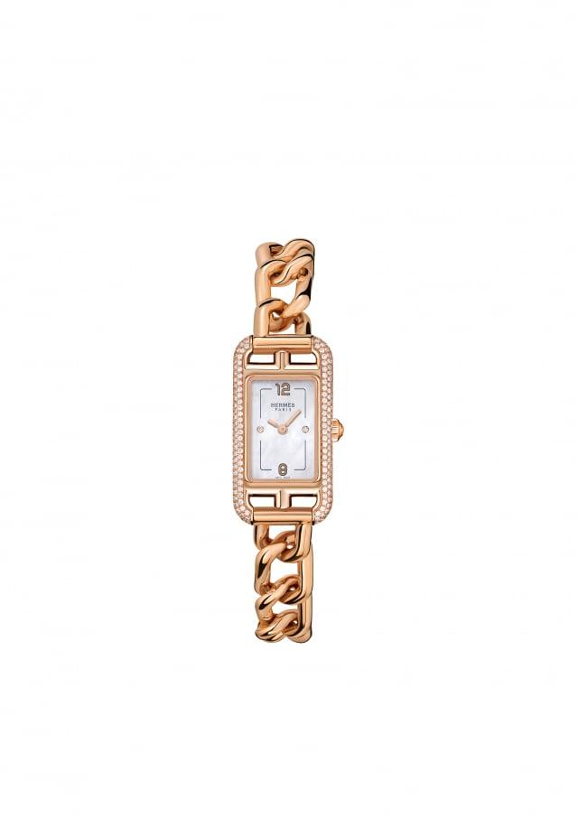 HERMES Nantucket鑽石鍊錶,玫瑰金搭配珍珠母貝錶盤,為整體畫龍點睛。(麗晶精品提供)