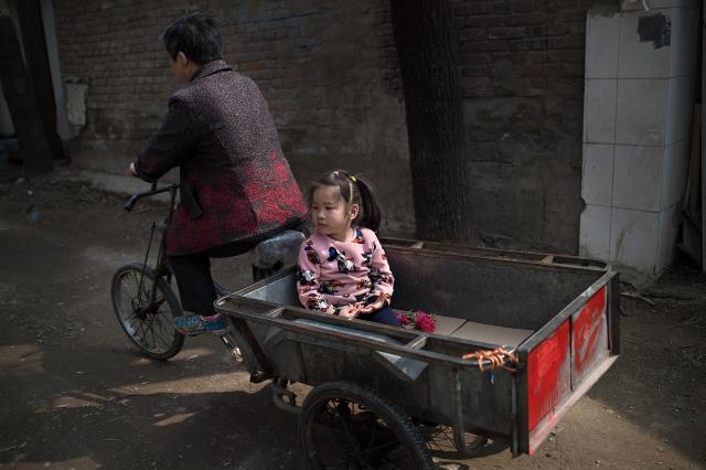 人口拐賣,在中國是個非常敏感的話題,只有當中共當局認為有利於宣揚自己的政績時,才會開動其宣傳機器。示意圖。(NICOLAS ASFOURI/AFP/Getty Images)