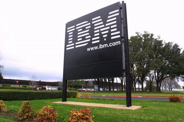 國際商業機器公司(IBM)在美國當地時間週四(6日)搶先全球公布號稱首創的2奈米晶片製造技術。( Joe Raedle/Getty Images)