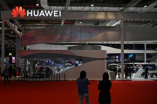 近日有中國經銷商向媒體透露,華為在中國業內的地位日減。(HECTOR RETAMAL/AFP via Getty Images)