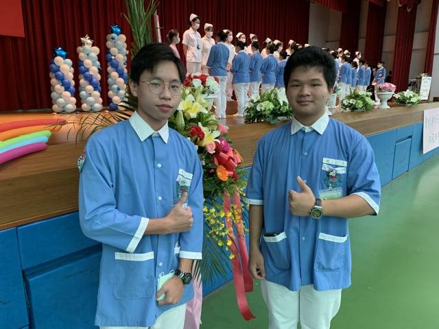基督徒劉撒母耳(右)同學說:父母親都鼓勵我、支持我,要我盡己所能,幫助需要幫助的人。